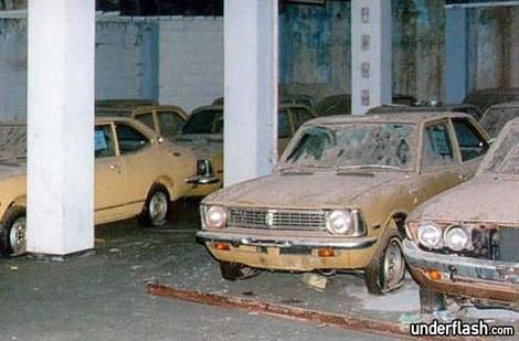 Este stand da Toyota parece ter parado no tempo